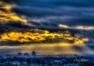 Last Rays Shine Over Roanoke Valley By Terry Aldhizer