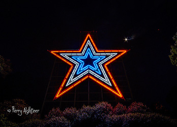 Roanoke Star Red White Blue By Terry Aldhizer
