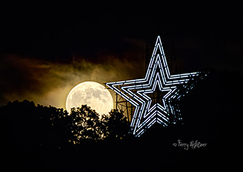 Summer Moon By Roanoke Star